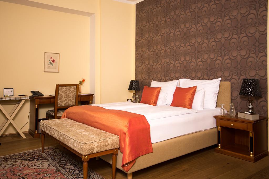 تعرف على افضل فنادق هالشتات القريبة من اهم معالم السياحة في هالشتات