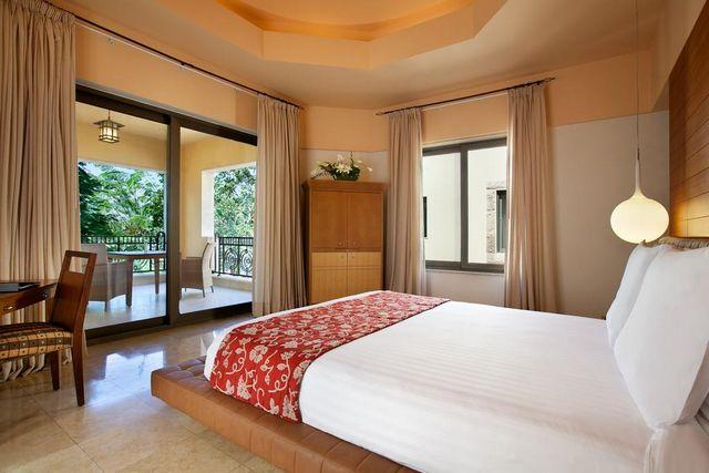فنادق البحر الميت