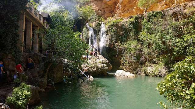 شلالات الأوريت هي أحد الأماكن السياحية في تلمسان