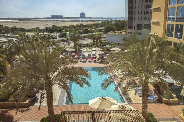 فندق سنترو جزيرة ياس ابوظبي