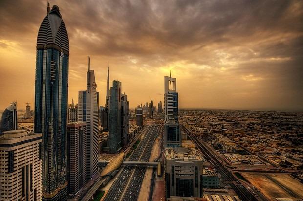 شارع الشيخ زايد من اهم شوارع دبي السياحية والحيوية