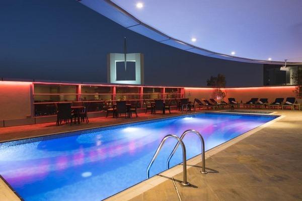 فندق جراند الامارات في دبي