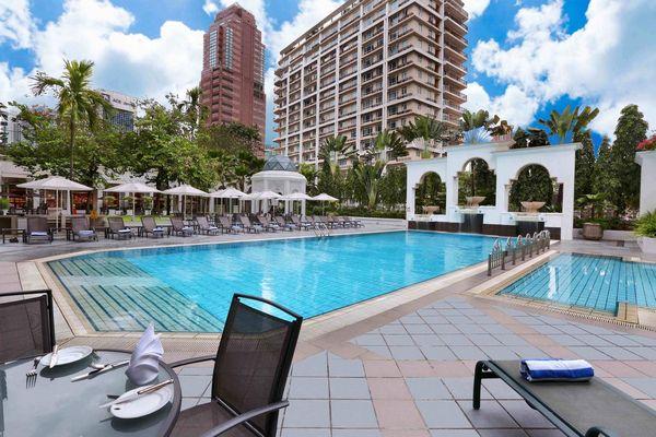 يتضمن فندق استانا كوالالمبور مسبح خارجي.