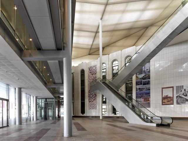جولة داخل مكتبة الملك فهد الوطنية