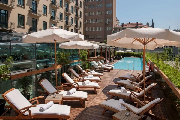 فندق بارك حياة بمدينة إسطنبول