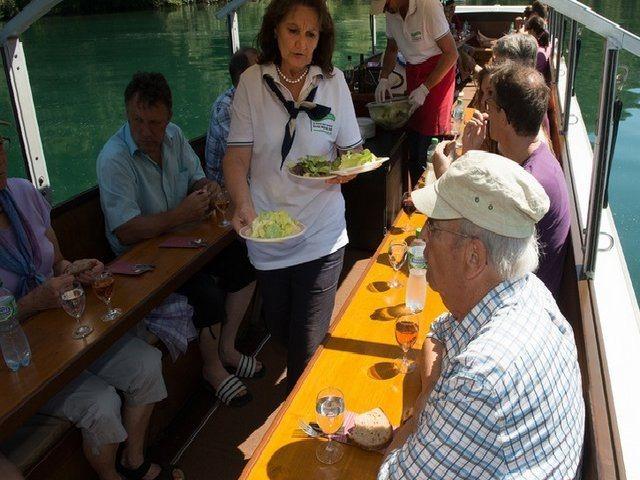 مطاعم قريبة من شلالات الراين