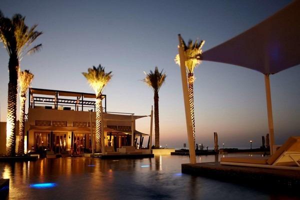 أفضل فنادق في جزيرة السعديات ابوظبي