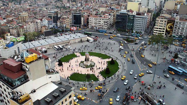 اين يقع شارع الاستقلال في اسطنبول