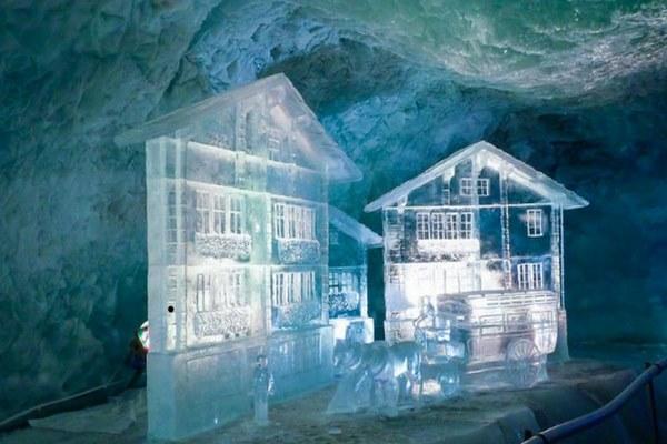 قصر الثلج في انترلاكن سويسرا