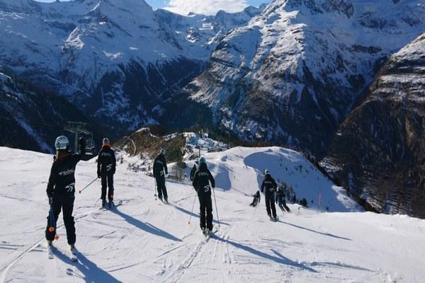 قصر الجليد في انترلاكن سويسرا