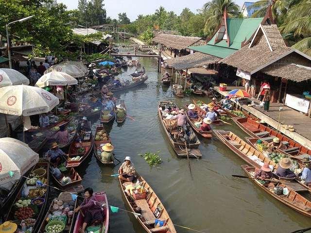 السوق المائي بانكوك من افضل الاماكن السياحية في بانكوك