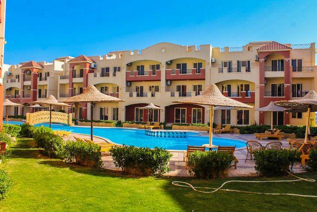 تقرير عن فندق قرية لاسيرينا العين السخنة المتميزة
