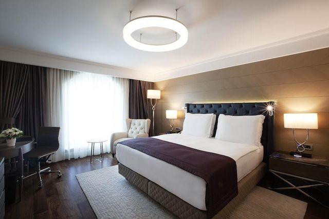 فندق راديسون بلو شيشلي