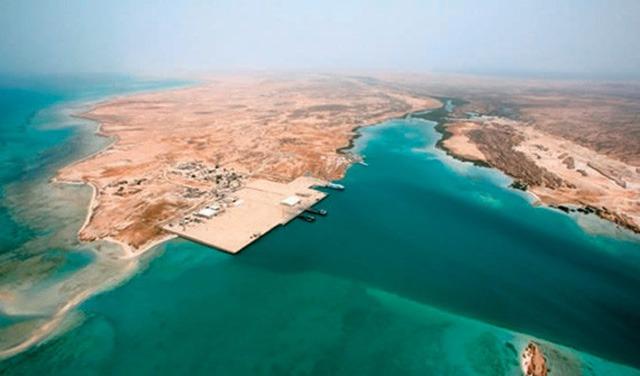 شاطئ رأس القرن في جزيرة فرسان