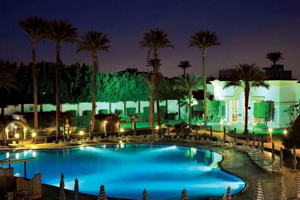 فندق كتراكت الهرم بمدينة القاهرة