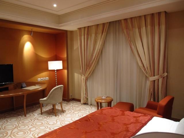 فندق الريتز كارلتون في الرياض