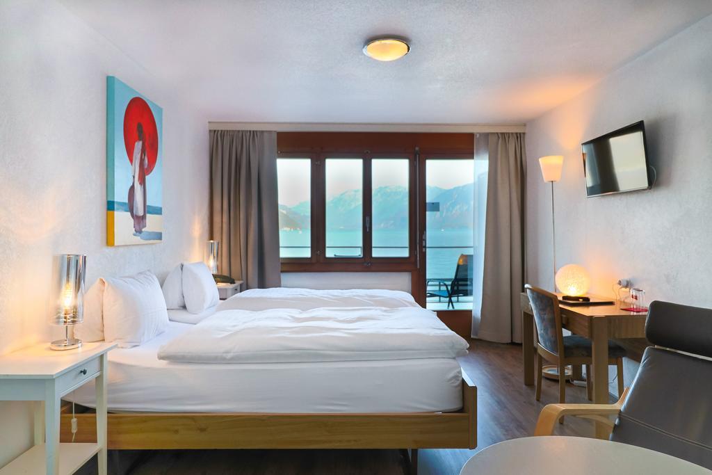 إطلالات ساحرة لـ افضل فنادق انترلاكن مطل على البحيرة