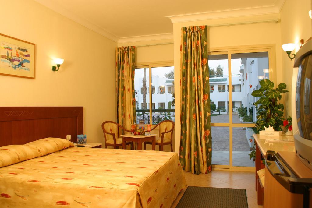 فندق فالكون هيلز من افضل فنادق شرم الشيخ 3 نجوم التي توفّر إطلالات على جبال سيناء.