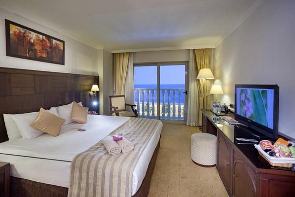 إطلالات جذابة في افضل فنادق انطاليا ٥ نجوم