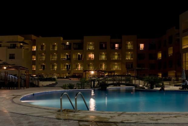 فندق العلاجي البحر الميت