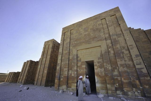 هرم سقارة واحد من أشهر الأهرامات في مصر