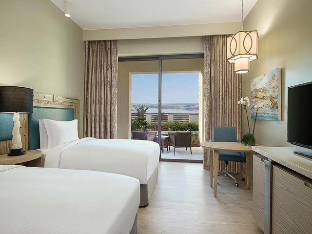 فندق هيلتون بالبحر الميت