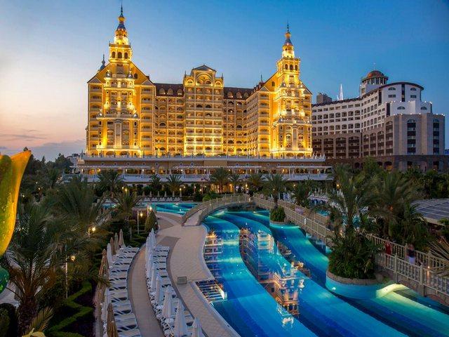 فنادق شاطئ لارا انطاليا الرائعة نضعها بين أيديكم