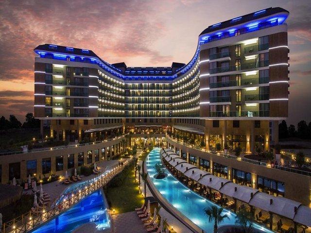 فنادق انطاليا منطقة لارا وروعة إطلالاتها