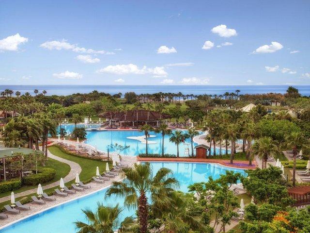 تجمع افخم فنادق انطاليا لارا بين مواصفات الفنادق والمنتجعات في آنٍ واحد