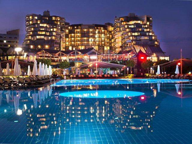 فنادق في انطاليا لارا تتميز بالأجواء الرومانسية