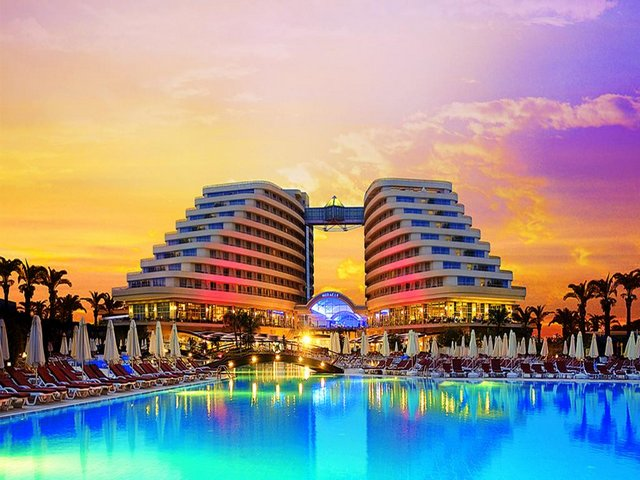 فندق انطاليا لارا الجميلة، يُمكنكم التعرف عليها من خلال هذا التقرير