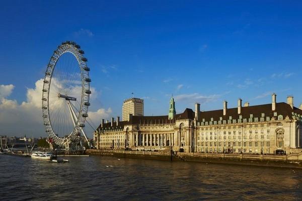 ينفرد فندق ماريوت لندن كاونتي هول بإطلالات ساحرة عن باقي فروع ماريوت لندن