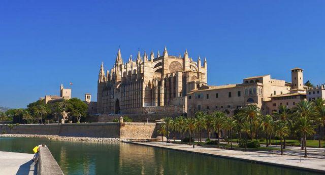 فنادق مايوركا اسبانيا كثيرة ولكنك عبر تقرير ستتعرف على افضلها