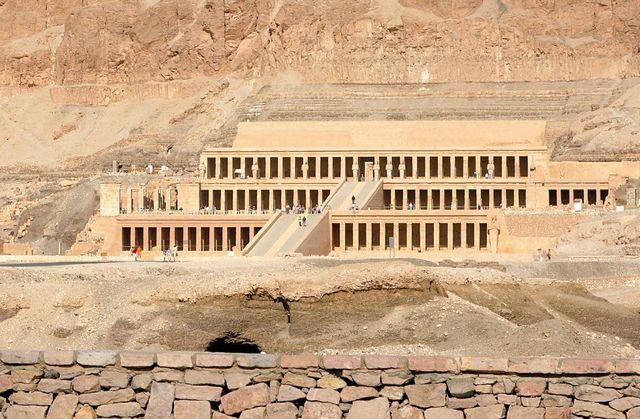 Mortuary Temple of Hatshepsut 2 - أشهر الاماكن السياحية فى الأقصر