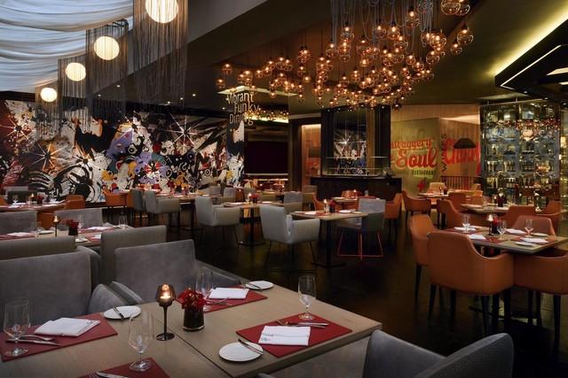 يُقدّم فندق موفنبيك شاطئ جميرا دبي 5 مطاعم تُوّفر المأكولات العالمية بأنواعها.