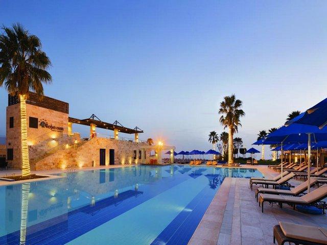 فندق رمادا البحر الميت