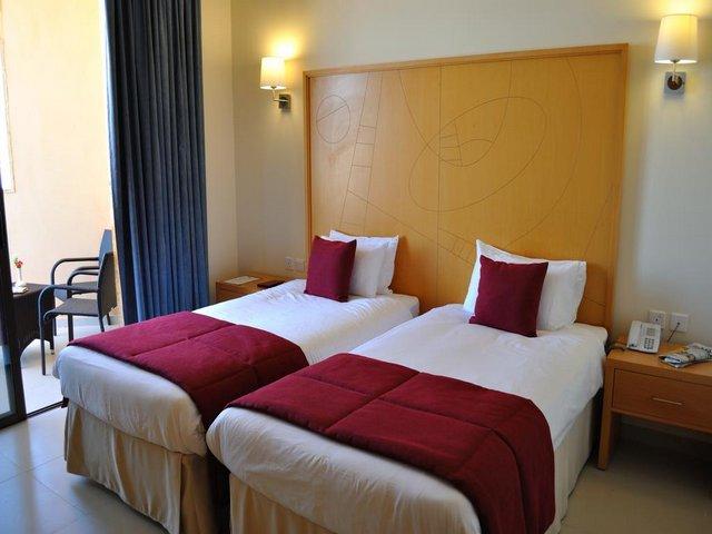 فندق رمادا بالبحر الميت