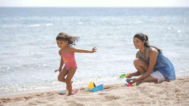 شاطئ سان ستيفانو من افضل شواطئ اسكندرية