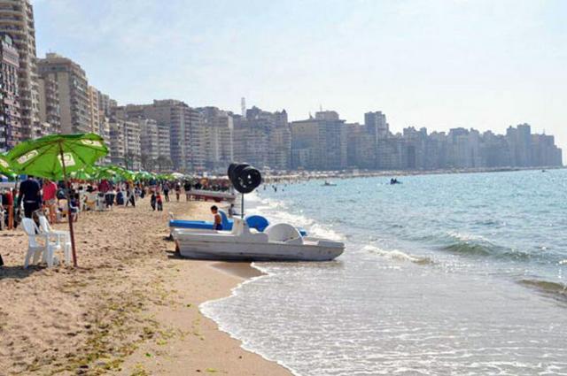 شاطئ ستانلي بمدينة الاسكندرية