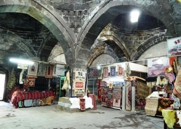 سوق بداستان طرابزون في تركيا