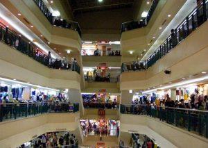 شيمباكا ماس من اشهر مراكز التسوق في جاكرتا