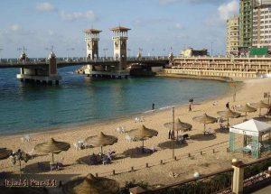 شاطئ ستانلي الشهير في الاسكندرية