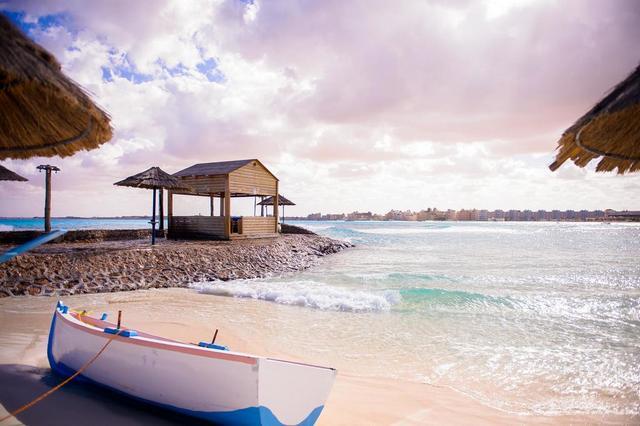 فندق كارولز بوريفاج مطروح واحد من اجمل فنادق مرسى مطروح على البحر