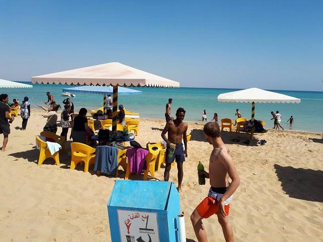 شاطئ السادات بيتش واحدة من شواطئ العين السخنه التي يتردد عليها العديد من الزوّار
