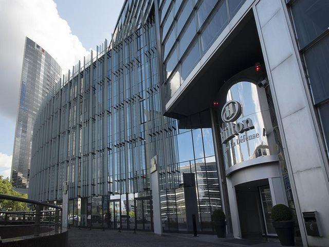 صرح معماري ضخم لأحد فنادق هيلتون باريس