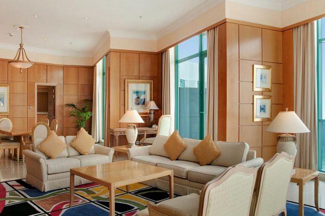 مميزات فندق هيلتون دبي جميرا
