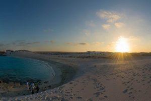 شاطئ الجونه بمرسى مطروح من أجمل شواطئ المدينة