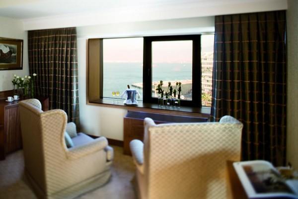 فندق موفنبيك ازمير تركيا