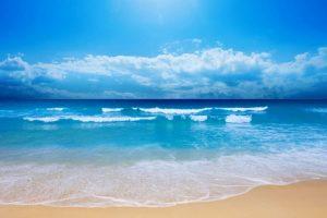 شاطئ الابيض مرسى مطروح من اجمل شواطئ المدينة