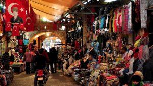 السوق القديم في انطاليا - تركيا